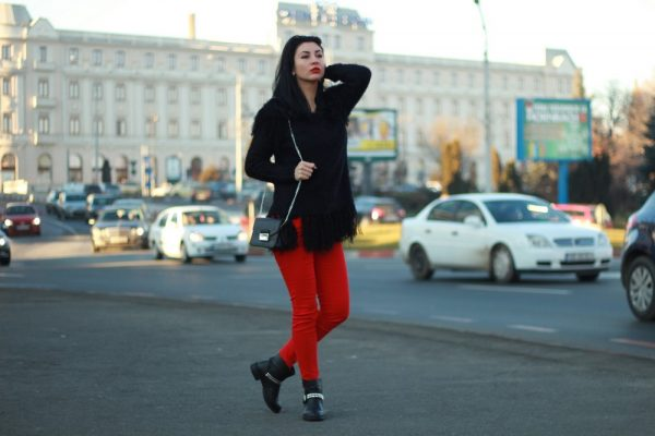 Black and Red – the Perfect Winter Mix