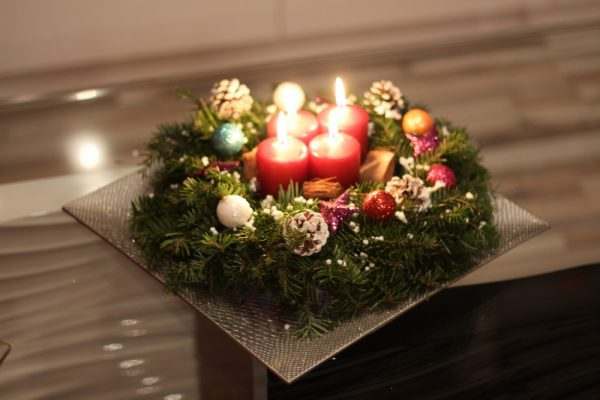 Let's Decorate our Homes for Christmas!